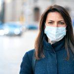 Studiu: măștile medicale reduc simptomele severe de Covid-19